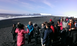 Iceland-It's cold on the beach ! All Saints enjoy a windswept Vic